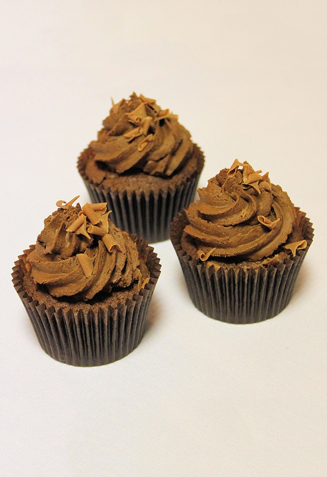 chocolate_cupcake_swirls_with_caramel_curls_2_50_each