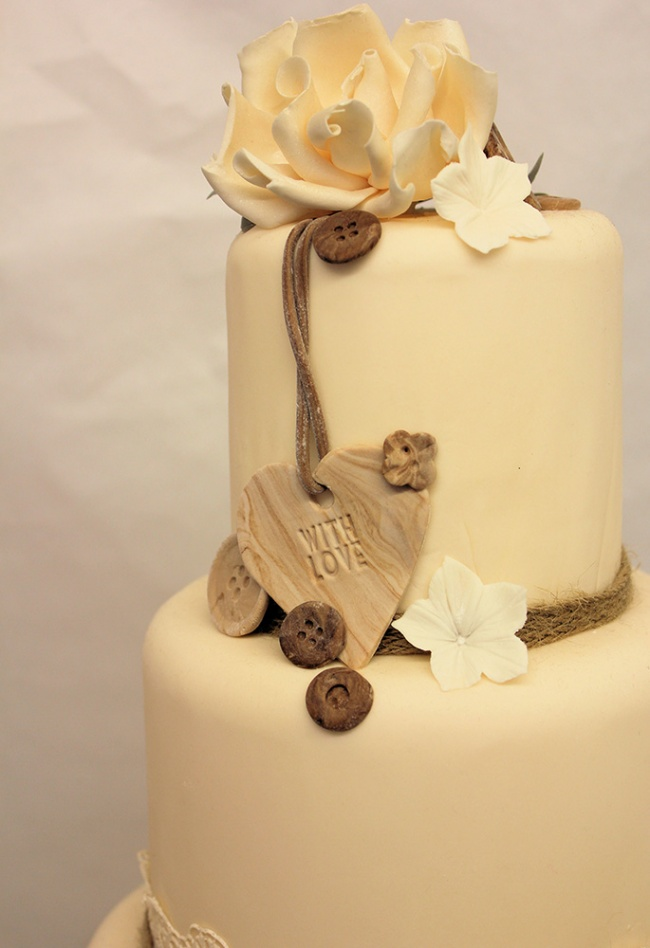 Rustic Wedding Cake Detail