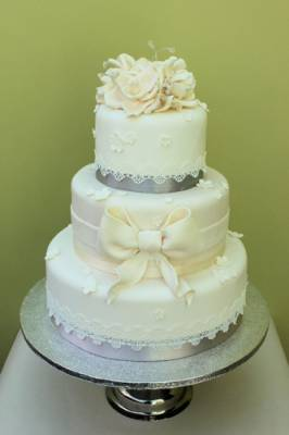 Laced Wedding Cakes
