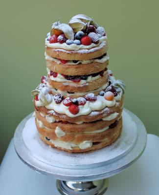 naked-gluten-free-wedding-cake