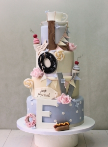 Love & Bunting Wedding Cake