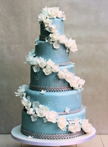 Sugar Garland Wedding Cake