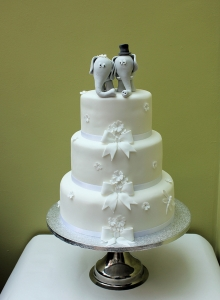 Character Wedding Cake Elephants Bows