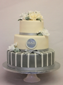 wedding cake, monogram