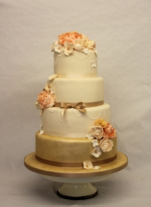 Peaches & Gold Wedding Cake