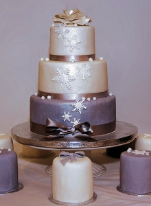snowflakes wedding cake, winter wedding