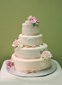 rose wedding cake, edible lace