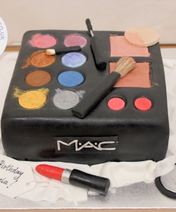 MAC Make-up Boz